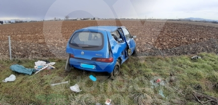RIVOLI - Perde il controllo dellauto e finisce fuori dalla tangenziale: ferito 22enne