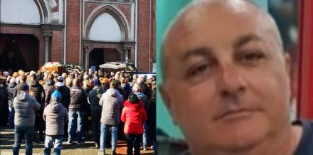 VENARIA - Una folla alla San Lorenzo per lultimo saluto a Biagio Picciariello