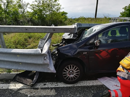 BORGARO - Terribile incidente in autostrada: due giovani borgaresi feriti in modo grave