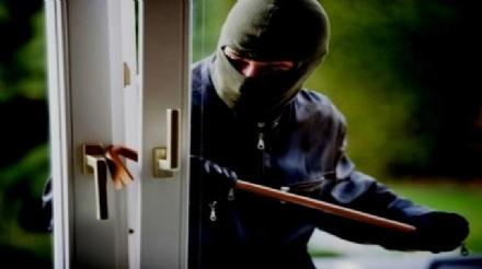 ZONA OVEST - Ancora furti in abitazione: usato lo spray narcotizzante