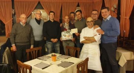 BORGARO-CASELLE - Altri 6mila euro per lacquisto del nuovo mezzo dei pompieri grazie al Comitato di SantAntonio Abate