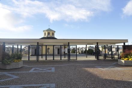 VENARIA - Ladri in azione al cimitero generale: rubati oggetti dalla tomba della piccola Sara Oliva