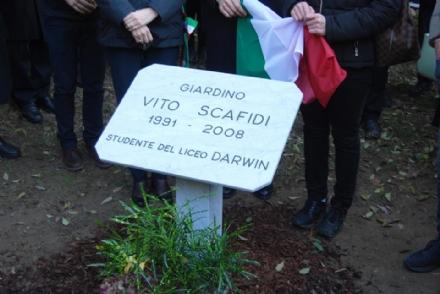 PIANEZZA-RIVOLI - La città di Torino da oggi ha un giardino dedicato a Vito Scafidi - LE FOTO
