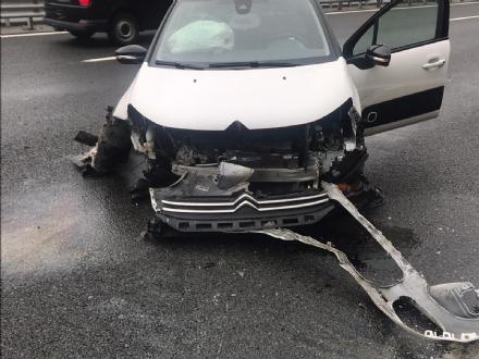 RIVOLI - Scontro fra due auto in tangenziale: disagi al traffico, ma nessun ferito