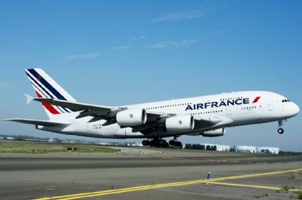 CASELLE - Voli low cost per Parigi: il regalo natalizio di Air France