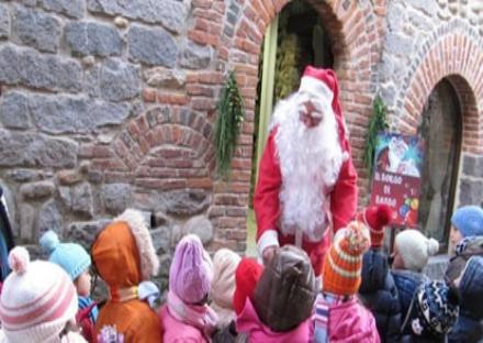 MATHI - Arriva Babbo Natale in piazza Caporossi