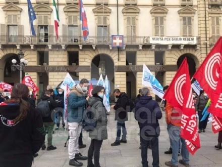TORINO-CASELLE - Natale di preoccupazione per i lavoratori di Aviapartner: sit-in sotto la Regione