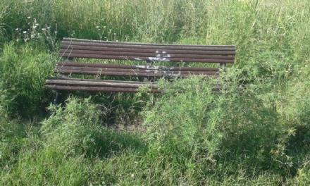 VENARIA - La segnalazione: «Ecco il degrado di Corona Verde»