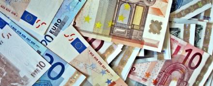 COLLEGNO - «Se mi pagate vi tolgo il malocchio e non avrete guai finanziari»: truffatrice denunciata