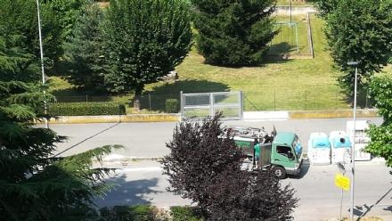 RIVOLI - Dopo le segnalazioni degli ultimi mesi, puliti i tombini di via Luigi Gatti