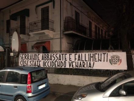 VENARIA - Attacco di CasaPound: «Serrande abbassate e fallimenti: state uccidendo Venaria»
