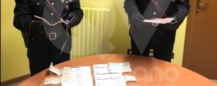 RIVOLI - La merce veniva pagata con assegni intestati a persone morte: due arresti