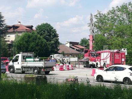 VENARIA - Camion perde il carico di sale di sodio: traffico in tilt nelle vie Stefanat e Cavallo