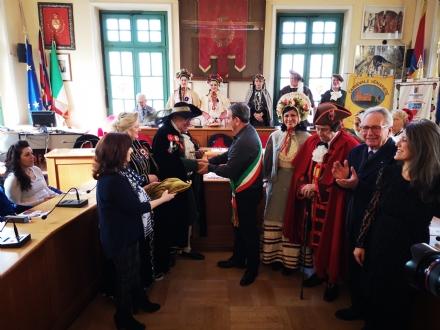 VENARIA - Al via il Real Carnevale: consegnate le chiavi della Città al Lucio e alla Castellana