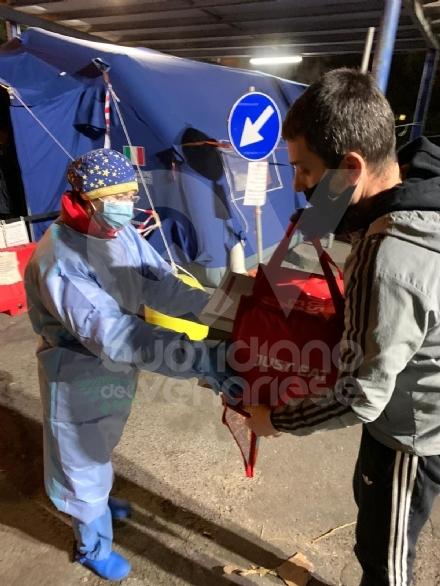 VENARIA-TORINO - Pizze e calzoni per medici e infermieri impegnati nel curare i malati di Coronavirus