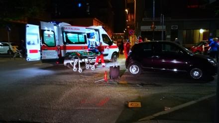 VENARIA - Scontro bus e auto: due feriti, uno portato in ospedale