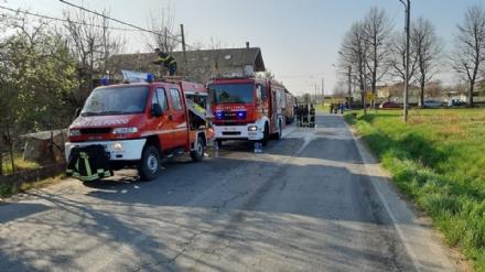 PIANEZZA - Incendio in un cascina in via San Gillio: sei squadre dei vigili del fuoco allopera