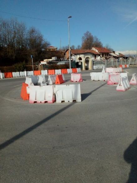 VENARIA - Il grido dallarme dei residenti di via Stefanat: «abbandonati a noi stessi»