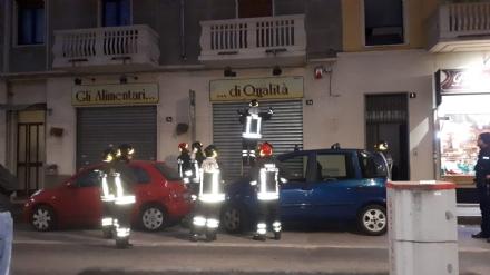 VENARIA - Sentono odore di gas nello stabile: vigili del fuoco in azione in corso Matteotti