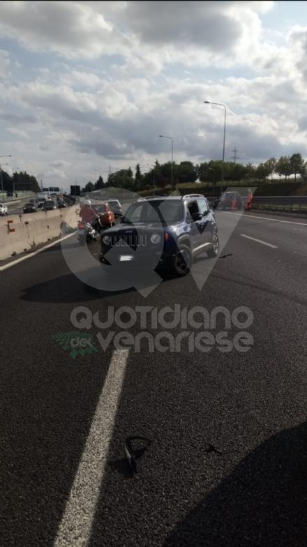 RIVOLI - Scontro fra tre auto in tangenziale: due feriti e 12 chilometri di coda