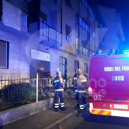 VENARIA - Incendio nella pizzeria <Da Angelo>: notte di paura per tanti residenti