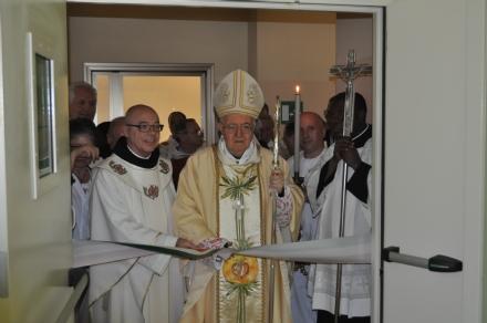 CORONAVIRUS - Sospesi catechismo e attività oratoriali, la comunione direttamente in mano
