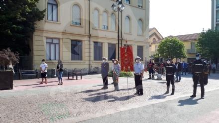 VENARIA - Festeggiato il 2 giugno in città: una copia della Costituzione ai neo maggiorenni  - FOTO