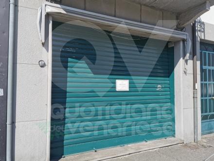 VENARIA - Irregolarità amministrative: e il minimarket di viale Buridani viene chiuso dai civich
