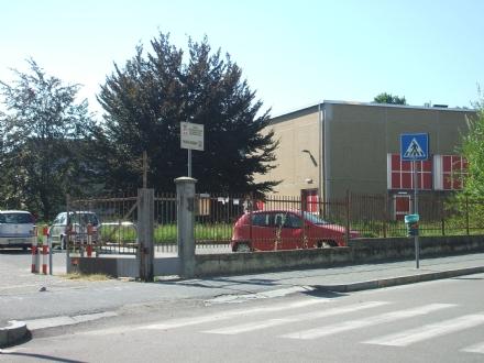 VENARIA - Vendono calendari sul bullismo per conto del liceo Juvarra, ma è una truffa