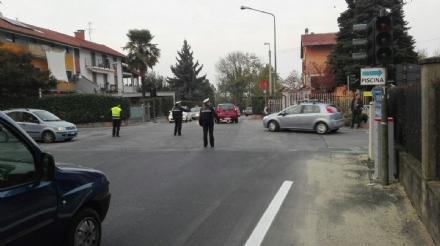 ROBASSOMERO - Direttissima chiusa in corso Italia per una perdita dellacquedotto