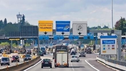 TANGENZIALE CASELLO DI BRUERE - I 5 Stelle: «Il Pd promette leliminazione ma non vuole togliere il pedaggio»