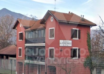 RIVOLI - La casa cantoniera di corso Susa viene messa in vendita: diventerà un punto ristoro