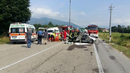 ROBASSOMERO - Grave incidente stradale sulla Direttissima: quattro feriti, uno grave