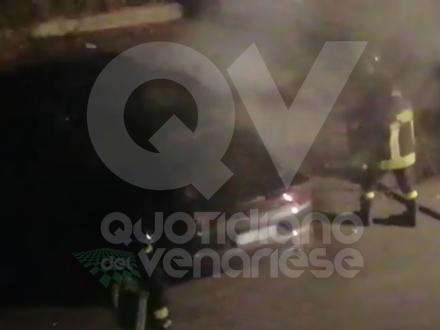 VENARIA - A fuoco unauto in via Don Sapino: nuova firma del piromane?