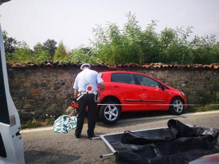 VENARIA INCIDENTE MORTALE - Perde il controllo dellauto e si schianta contro il muro della Mandria - FOTO