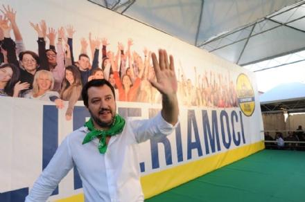 BLITZ AL CAMPO NOMADI - Il Ministro Salvini: «L'aria è cambiata, le regole devono valere per tutti»