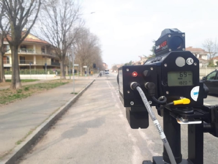 VENARIA - Torna in funzione il telelaser della municipale: occhio alla velocità!