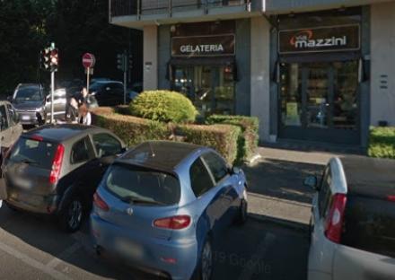 COLLEGNO - Ubriaco molesta i clienti di una gelateria: arrestato, evade dai domiciliari