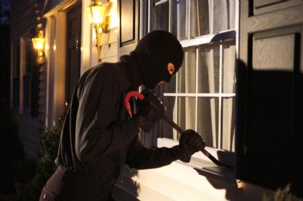 BORGARO-CASELLE: Raffica di furti in abitazione, cittadini esasperati