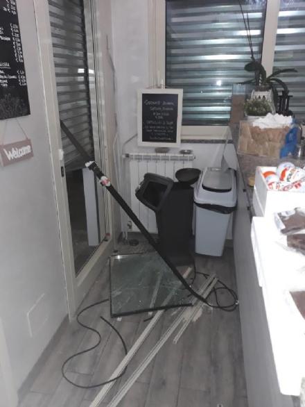 MAPPANO - I ladri continuano a colpire: preso di mira il «Caffè Memory»