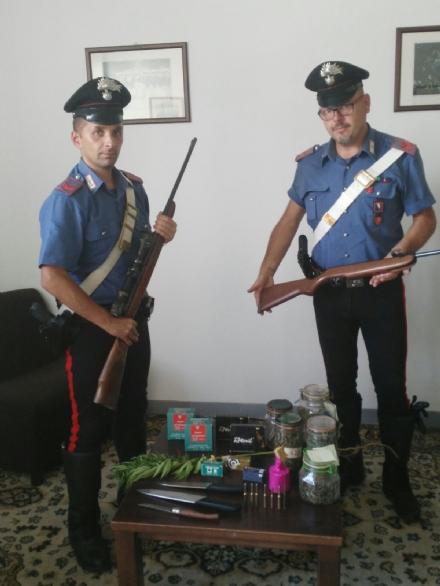 SICUREZZA - Aggredisce i carabinieri di Venaria con un coltello