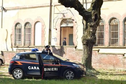 COLLEGNO -  Entra allAsl e minaccia di morte con un coltello una educatrice: arrestato