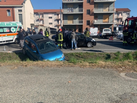 CASELLE - Spaventoso incidente allincrocio tra strada Aeroporto e via Savonarola - FOTO