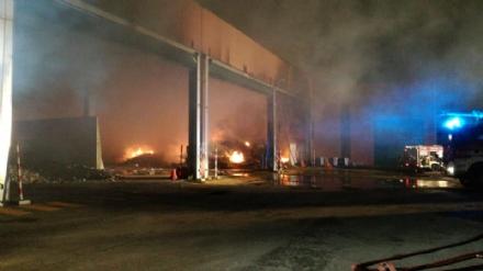 DRUENTO - Incendio ex Punto Ambiente: situazione sotto controllo dallalba - LE FOTO