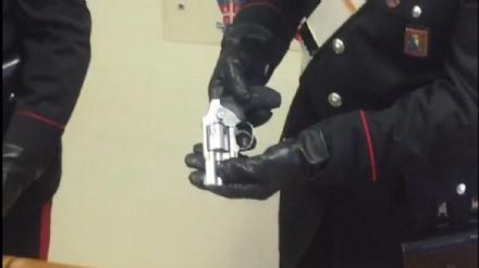 RIVOLI - Mazze da baseball, pistole e minacce: la maxi rissa finisce con quattro arresti