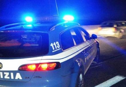 COLLEGNO-PIANEZZA-RIVOLI - Camminava pericolosamente lungo la tangenziale: fermata dalla polizia