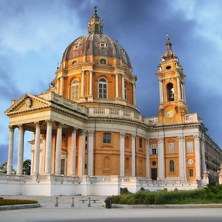 COLLEGNO-GRUGLIASCO-RIVOLI - I sindaci vanno a Superga per firmare il «Patto per la Torino del futuro»