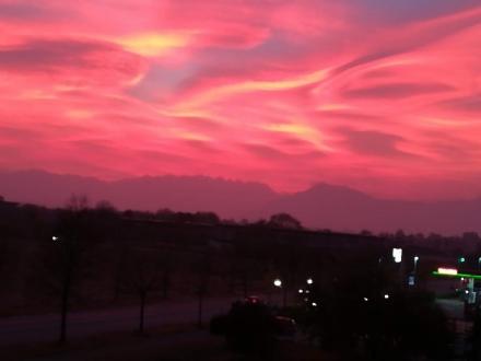 LA FOTO - Tramonto meraviglioso a Venaria: la buonasera dalla redazione di Quotidiano Venaria