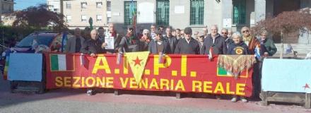 VENARIA - Sit-in in piazza Martiri in solidarietà del popolo curdo