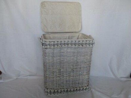 COLLEGNO - Nella cesta dei peluche nascondeva il panetto di hashish: 24enne in manette